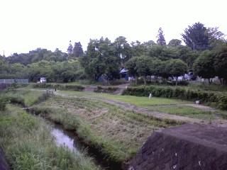 三沢川の広場