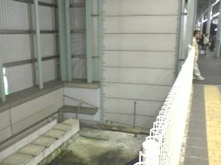 小田急登戸駅1番線