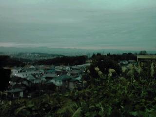 明け方の街の景色