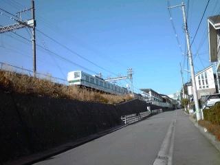 はるひ野駅で人身事故