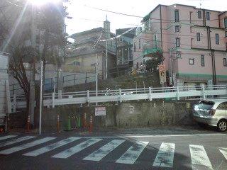 神山通りを歩く