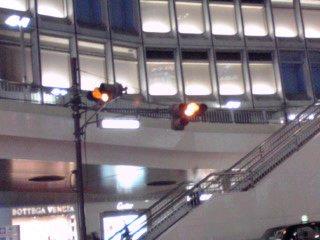 新宿西口ロータリーの信号機が解りにくい